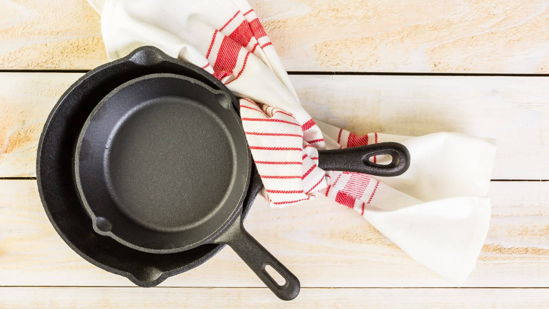 difference between frying pan and skillet